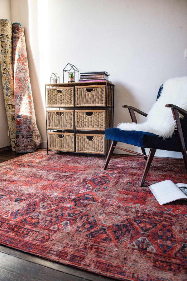 Antique Hadschlu rug in colour red