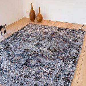 Antique Heriz rug in colour divan blue