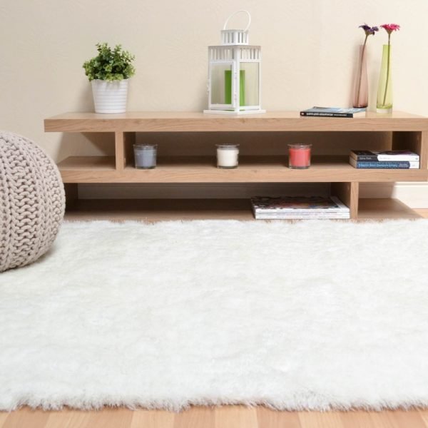 Shaggy Rugs | Deep Pile Rugs | Rug & Table Shop Halifax West Yorkshire | 01422 414459 | Ivory White Rug